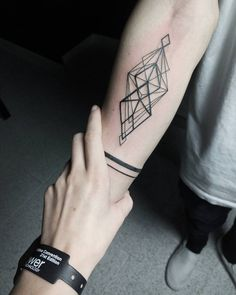 - Top 50 Beste Geometrische Tattoos geometric tattoo on the arm Model Tattoos, Dreieckiges Tattoos, Neue Tattoos, Trendy Tattoos, Body Art Tattoos, Tattoos For Guys, Sleeve Tattoos, Tattoos For Women, Tatoos