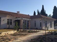 משפחת חזן בכפר מרדכי - מרווין חלונות ודלתות