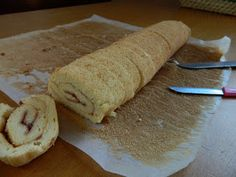 Bucataria casei noastre: Tort coronita ( din rulada cu dulceata de capsuni si crema de branza) Dairy, Bread, Cheese, Food, Brot, Essen, Baking, Meals, Breads