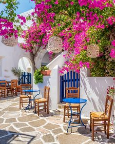Prodromos a very beautiful picturesque blooming village in Paros island ! Member of 13 great hubs… Wonderful Places, Beautiful Places, Beautiful Pictures, Places Around The World, Around The Worlds, Paros Island, Dream Vacations, Beautiful Gardens, Garden Design