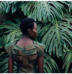@lafrohemien || Texture. Twa. Melanin. Dark skin women. Dark skin beauty. Natural hair. Afro hair. Kinky textures. Healthy hair.