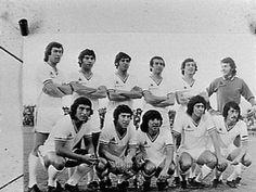 Formación nacional en el Neuchâtel Xamax (Suiza) 0 - Chile 1 (23 de Septiembre de 1973). Gol de Julio Crisosto.