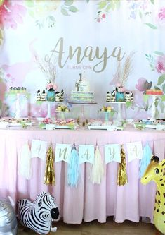 This Sweet Safari Birthday Party is absolutely fabulous!! See more party ideas and share yours at CatchMyParty.com