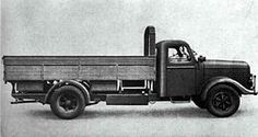 A Alfa Romeo 500 flatbed supply truck