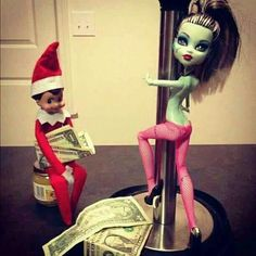 25 More Inappropriate And Disturbing Elf on a Shelf Pictures (part2)