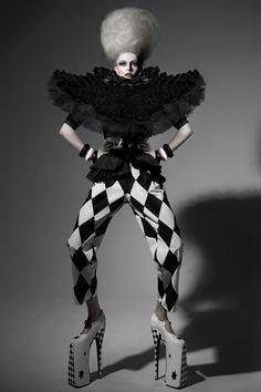 Clown :: Pierrot and Harlequin Fashion   Night Circus - Fancif