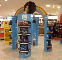 Oreo Wonderfilled display-opstelling gespot bij de Albert Heijn. Eindresultaat is supertof!  www.schumacher-packaging.com (floordisplay, fsdu, cardboard, instore, point of sale)