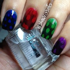 Feather nail art Feather Nail Designs, Feather Nail Art, Nail Art Hacks, Nail Art Diy, Cool Nail Art, Nail Art Designs, 3d Nails, Cute Nails, Pretty Nails
