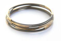 SPRING SALE - 20% OFF! Set of 5 Grey leather Bangle Bracelets with gold bars - 24k gold plated on Etsy, $22.00