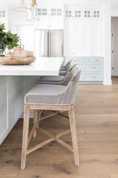 Home Interior Salas .Home Interior Salas Home Design, Küchen Design, Layout Design, Chair Design, Design Ideas, Kitchen Interior, Kitchen Decor, Big Kitchen, Kitchen Corner