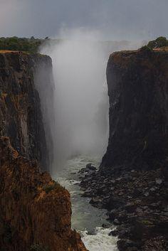 Victoria Falls - Zimbabwe (by Ruud Van Ruitenbeek)