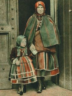 łowiczanki na starej fotografii - Traditional Polish Folk Native Dress