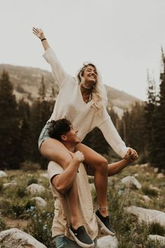 If Your Fianc Does These 13 Things You ve Hit The Jackpot fiance jackpot relationshipgoals effortlesslove - Cute Couples Photos, Cute Couple Pictures, Cute Couples Goals, Couples In Love, Couple Goals, Love Pics, Best Couple Photos, Happy Couples, Couple Photoshoot Poses