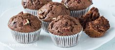 Makkelijke recept voor muffins met chocolade en pecannoten, lekker voor bij de koffie of om te trakteren.