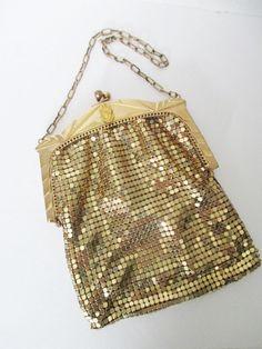 Art Deco Era WHITING & DAVIS Gold Tone Mesh Evening Bag Chain Strap USA #WhitingandDavis #EveningBag #EveningPartyPromFormalWedding