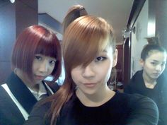 [Me2day] Dara updates with a photo of CL and Minzy (December 5, 2009)