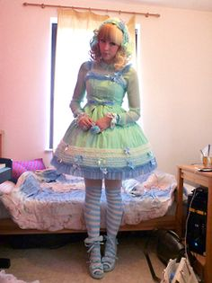 @PinFantasy - Lolita Community - Sweet lolita ~~ For more:  - ✯ http://www.pinterest.com/PinFantasy/lifestyles-~-lolita-style-fashion-and-fantasy/