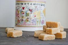 Vanille fudge makkelijk zelf te maken! - http://www.volrecepten.nl/r/vanille-fudge-makkelijk-zelf-te-maken-6615639.html