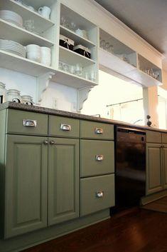 Oak Kitchen Cabinets Ideas  #kitchencabinetlove #cabinetry Repainting Kitchen Cabinets, Two Tone Kitchen Cabinets, Kitchen Cabinets Decor, Green Cabinets, Farmhouse Kitchen Cabinets, Kitchen Cabinet Design, Kitchen Interior, Base Cabinets, White Cabinets
