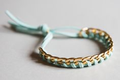 "Bracelet ""Torsade"" couleur or et bleu clair : Bracelet par odydonc"