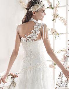 TILOS | Bohemian Wedding Dress | 2015 Cala Collection | by Sara Villaverde | Villais (close up back)