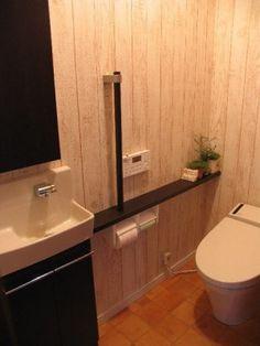 シャビー板壁風クロスのトイレ Toilet, Bathroom, House, Washroom, Flush Toilet, Home, Full Bath, Toilets, Bath