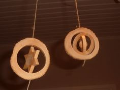 """3D"" Xmas ornaments made in log of boxwood (from tree branches pruned) around 7cm diameter, cutting with a scroll saw. The wood is a real ecological product: Wood tends nature ... the wood  is natural, recyclable, renewable and ""compostable""... so green product, good for our planet."