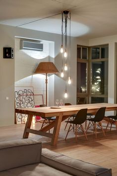 Stylish Loft in Kiev by Slava Balbek and Sasha Ivasiv 9 Spacious Modern Loft in Kiev Decorated with Stylish Details and Framed Cityscapes Küchen Design, House Design, Interior Design, Loft Design, Eclectic Design, Design Ideas, Esstisch Design, Dinner Room, Contemporary Apartment