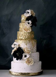 Wedding cake with gold glitter