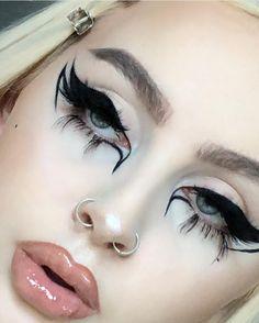 Image about grunge in ✧✧makeup✧✧ by 🖤🕷🕸 on We Heart It - - Punk Makeup, Grunge Makeup, Gothic Makeup, Glam Makeup, Makeup Inspo, Makeup Inspiration, Goth Eye Makeup, Asian Makeup, Korean Makeup