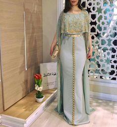 Luxury Evening Dresses Long Red Carpet Gown Moroccan Kaftan dress by TheKaftanStore on Etsy Arab Fashion, Muslim Fashion, Modest Fashion, African Fashion, Fashion Dresses, Moroccan Kaftan Dress, Caftan Dress, Dress Indian Style, Indian Dresses