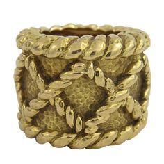 1stdibs | David Webb Wide Gold Braid Motif Ring