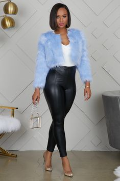 Girls Winter Fashion, Black Girl Fashion, Fur Fashion, Fashion Outfits, Womens Fashion, Curvy Outfits, Casual Outfits, Black Jacket Outfit, Faux Fur Cropped Jacket