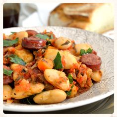 Hearty, healthy, classic Greek food perfect for cold winter days we expect. The giants are a legume little misunderstood, many do not like but with proper sauce become juicy and tasty. This recipe with red … Spicy Sauce, Sausage Recipes, Greek Recipes, Red Peppers, Potato Salad, Food And Drink, Healthy Recipes, Healthy Food, Tasty