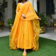Party Wear Indian Dresses, Indian Fashion Dresses, Indian Bridal Outfits, Indian Gowns Dresses, Dress Indian Style, Indian Designer Outfits, Wedding Dresses, Designer Anarkali Dresses, Designer Party Wear Dresses