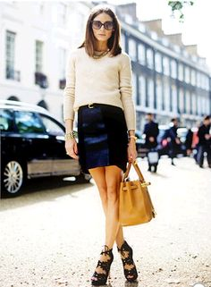 Olivia Palermo Shows Off Enviable Street Style At London Fashion Week, 2010 Autumn Fashion Curvy, Fashion Black, Beige Pullover, Hermes, Olivia Palermo Style, 2016 Fashion Trends, Street Style 2017, Fall Outfits For Work, Sweater Outfits