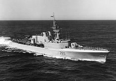 Canadian naval news and history. Info about all HMCS ships, badges and sailors. Navy Day, Us Navy, Royal Canadian Navy, Holland America Line, Naval History, Canadian History, Navy Ships, War Machine, Battleship