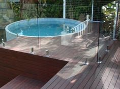 Round plunge pool