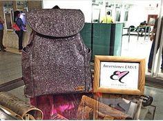 """""""Asi de espectaculares lucen todos los diseños de Elisa Merlo, mochilas carteras y mucho más👝👜 hechas a mano, con material de alta calidad y durabilidad, con diseños únicos en el mercado👩. visítanos en nuestra tienda física el el C.C Los Proceres Barquisimeto, piso 1 frente al banco B.O.D o solicítala a 📲 @inversionesemsa 0414-5717120 y 0416-6710996, despachamos a nivel nacional e internacional✈🚗 . . #publicidadbarquisimeto #publicidadlara #emprende975 #programaradial #emprendimiento…"""