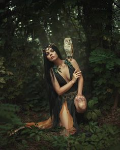 Simply about all Halloween Photography, Fantasy Photography, Portrait Photography, Forest Photography, Photographie D' Halloween, Fairy Photoshoot, Classic Halloween Costumes, Dark Fairytale, Arte Obscura