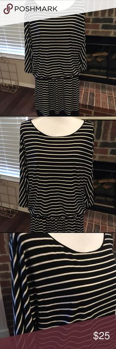 WHBM XL dress 3/4 sleeves Beautiful dress by WHBM size XL  measures about 23 across at bust and about 43 inches long 3/4 sleeves with silver button accents. White House Black Market Dresses Midi