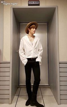 He looks so cute i wanna touch his dimples Nct U Members, Sm Rookies, Jung Yoon, Valentines For Boys, Jung Jaehyun, Jaehyun Nct, Nct Dream, Nct 127, Boy Outfits
