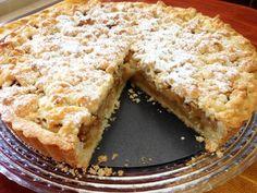 פאי תפוחים מעולה Cake Receipe, Dessert Cake Recipes, Kolache Recipe Czech, Apple Recipes, Sweet Recipes, Tasty Dishes, Food Dishes, Israeli Desserts, Food Tasting