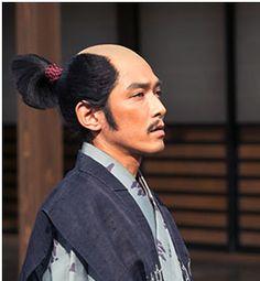 「おかげでわしの仕事が増えたー」 「そう仰ると思い、領内から取り急ぎ戦えるものを掻き集めました」 このセリフの時の兼続のふてぶてしさが好きです。やっぱり『天地人』のときとは別人だ(笑)。---Miki  第12回「人質」 NHK大河ドラマ『真田丸』