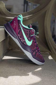 Nike Kobe 8 'Pit Viper' (Detailed Pics & Release Reminder)