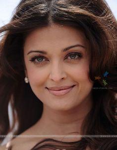 Aishwarya Rai Bachchan make up