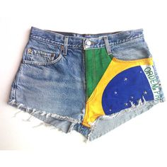 Levis vintage customized short Brazil flag and studs distressed denim (180 BRL) found on Polyvore featuring women's fashion, shorts, short, levi shorts, levi's, vintage shorts, short shorts and distressed denim shorts
