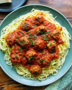 Zucchini Meatballs, Vegetarian Meatballs, Vegetarian Recipes, Cooking Recipes, Healthy Recipes, Pork Meatballs, Chef Recipes, Healthy Food