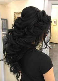 Charming loose braided bridal hairstyles ideas 28 Wedding hairstyles are just as important as the wedding dress' choice. Quince Hairstyles, Bridal Hairstyles With Braids, Cool Braid Hairstyles, Wedding Hairstyles For Long Hair, Wedding Hair And Makeup, Pretty Hairstyles, Hairstyle Ideas, Bridesmaids Hairstyles, Hairstyles Haircuts
