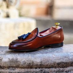 BESPOKE TWINS - Good Rising. It's Your Bespoke Wake Up Call. Our Belgian tassel loafer in cognac with navy piping and navy tassels. #thebespokewakeupcall